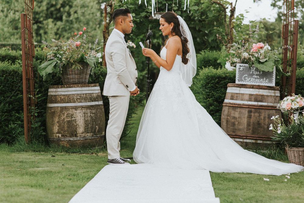 bruidsfotoraaf-bohemian-wedding-domaine-heerstayen-32.jpg