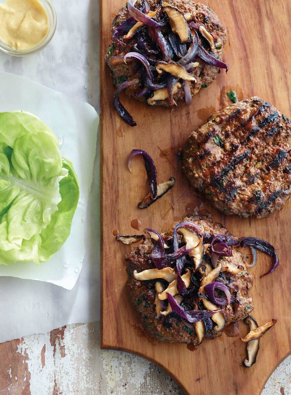 GRILLED BISON BURGERS