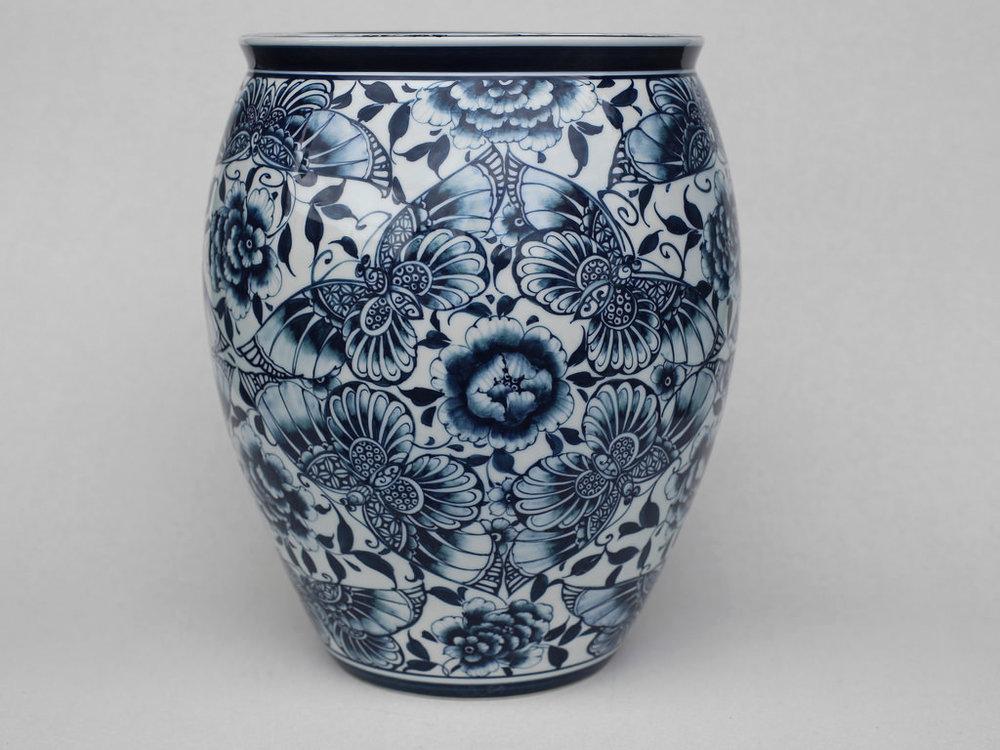 蝴蝶高升罐   尺寸(長x 寬x 高):27.0 x 27.0 x 30.0 cm