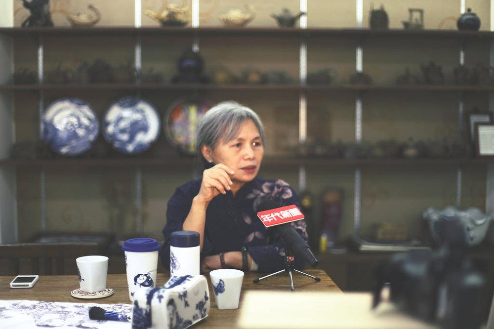 年代新聞   節目邀訪,談論鶯歌陶瓷產業面臨的轉型問題。