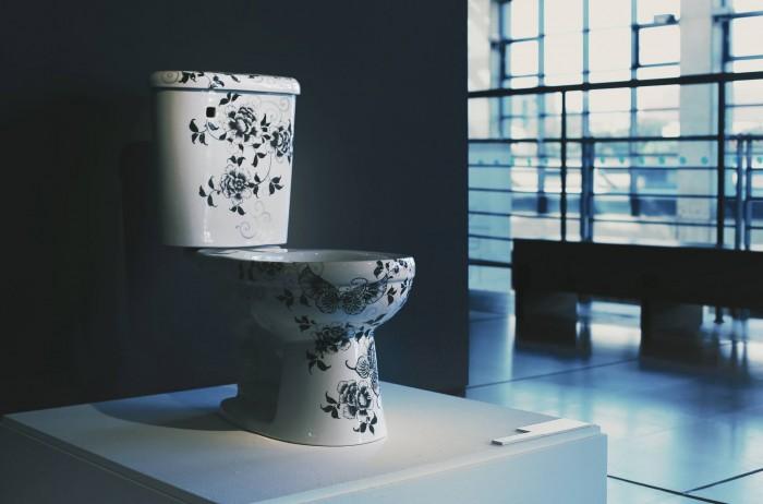 新北市立鶯歌陶瓷博物館   青花馬桶結合鶯歌輝煌的陶瓷工藝,是殿堂級的珍貴寶器,也是具有優雅古意的居家設計。