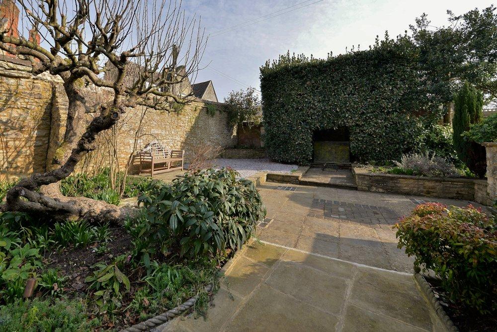 Garden 1 (2).jpg