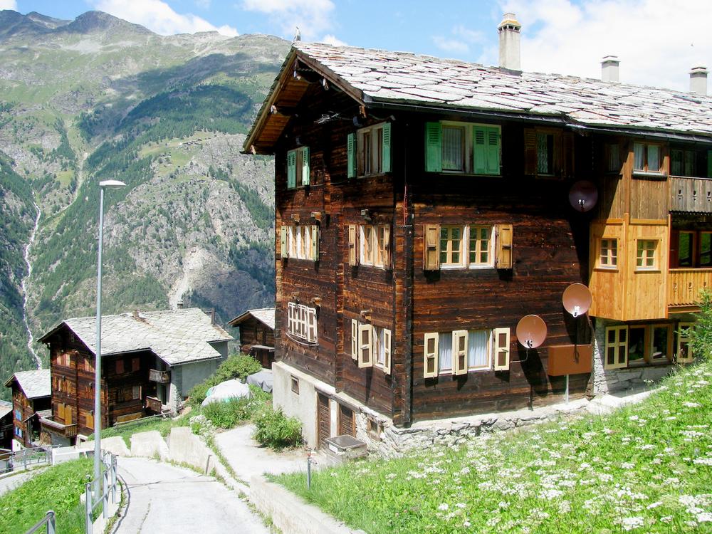 chaletspitsburgh.com (15).jpg