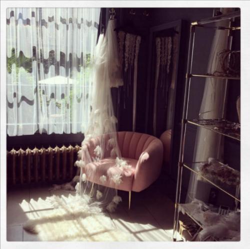 Glamoros Chair