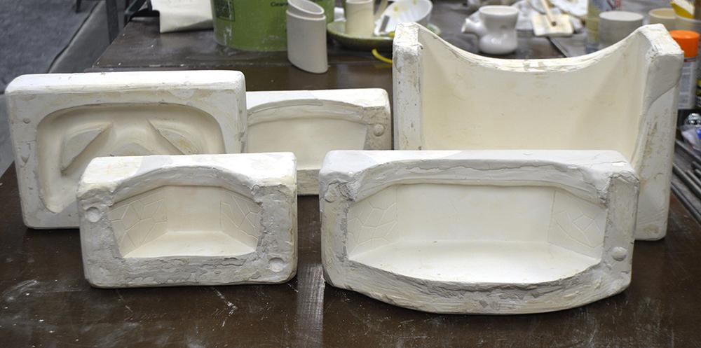 2 2-part molds, 1 1-part mold