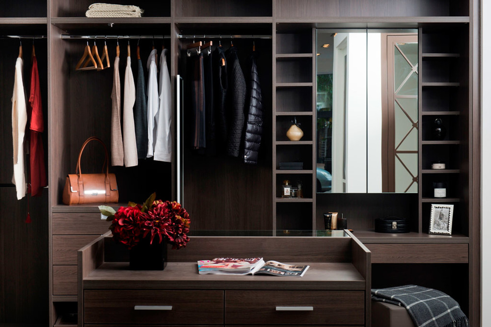 Anthracite Walk-In Dressing Room