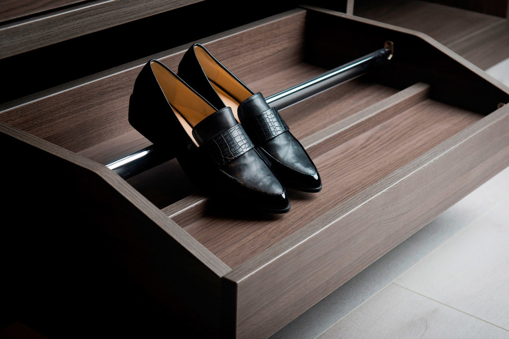 o_Anthracite-Pull-Out-Shoe-Drawer.jpg