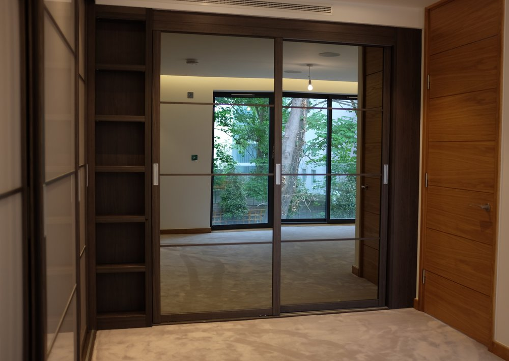 Anthracite & Mirrored Doors