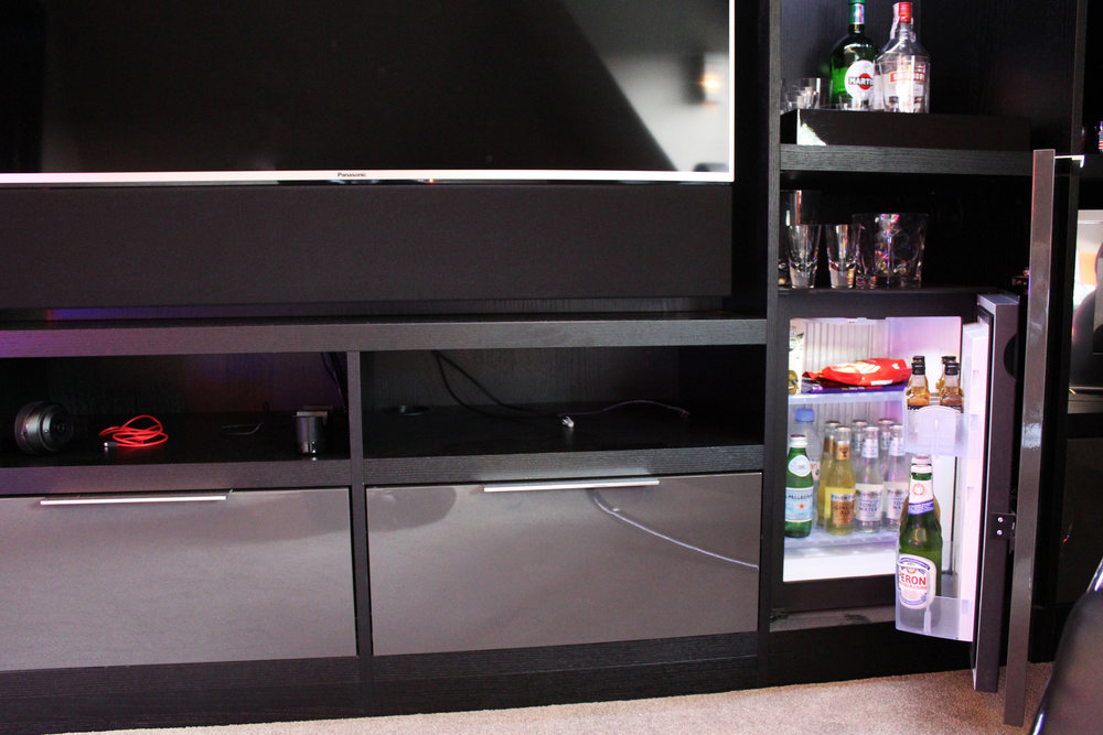 Graphite High Gloss Door for Mini Bar and Drawer Fronts with Basic Chrome Handles (2).jpg
