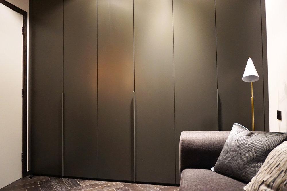 Bespoke Colour Matt Lacquer Doors (3).jpg
