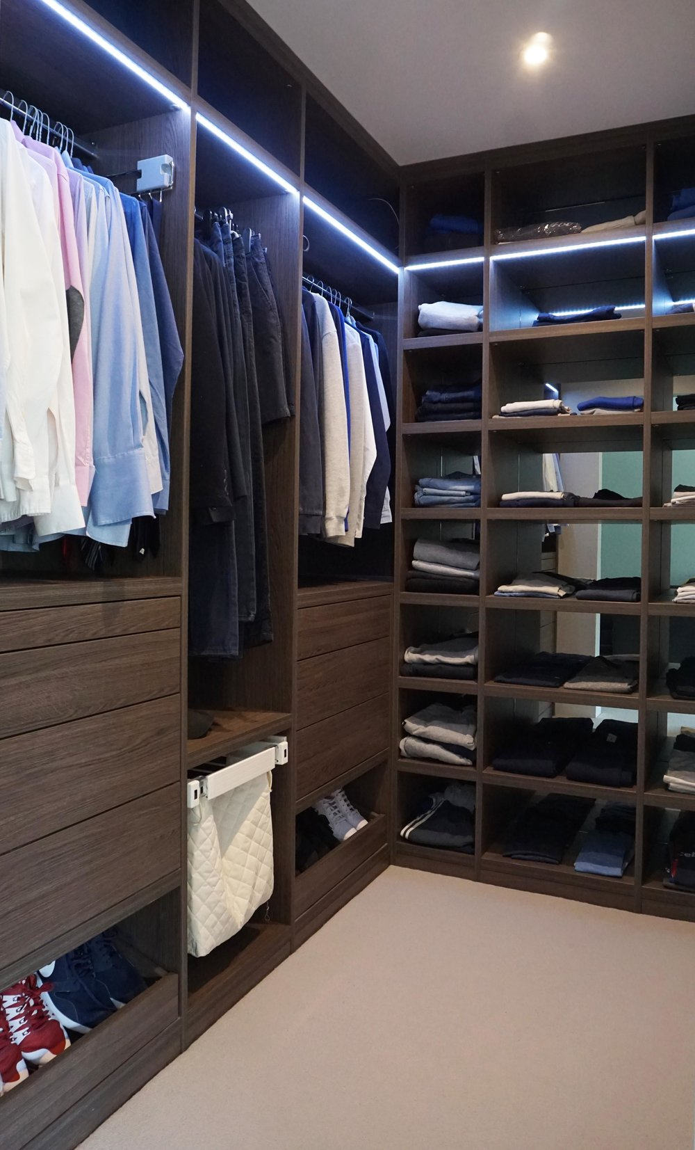 Anthracite Walk In Wardrobe with Shelving (2).jpg