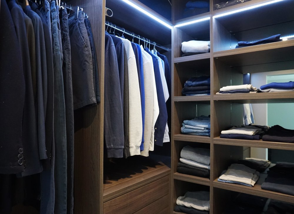 Anthracite Walk In Wardrobe with Shelving (1).jpg