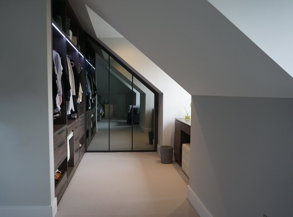 Anthracite Walk  In Wardrobe with Silver Mirrored Doors(3).jpg