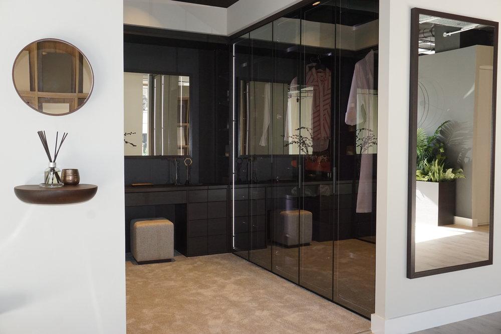 Dark Oak Walk In with Bronze Reflex Doors (7).jpg