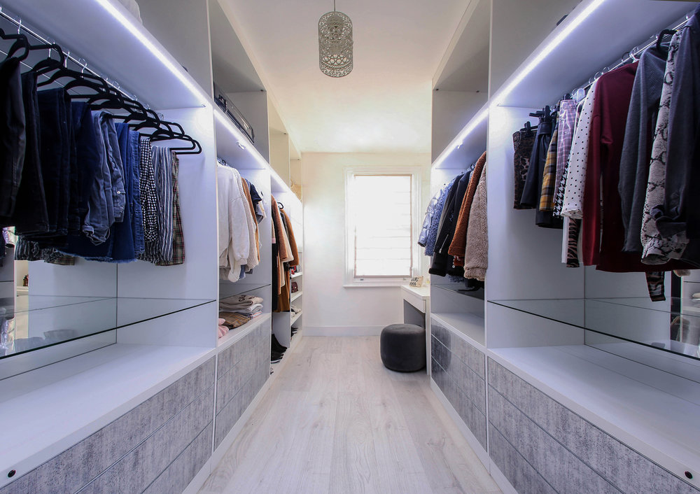 White Walk In Wardrobe with Decorative Glass Drawer Fronts