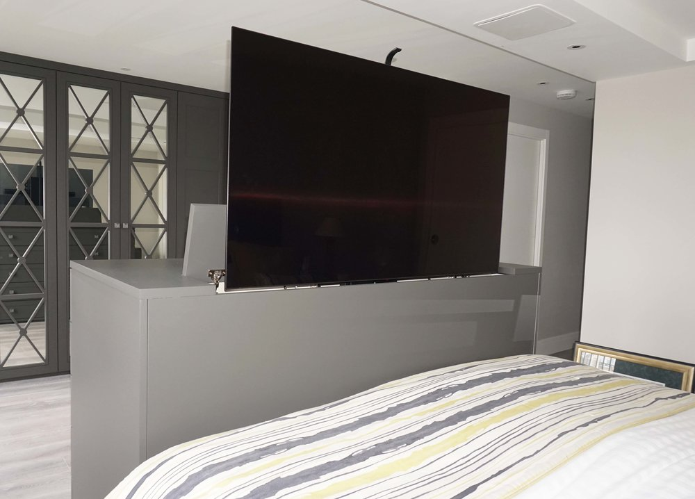 Drawer Unit with TV Lift.jpg
