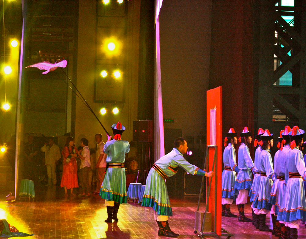 Goose Kite-Puppet (on stage)