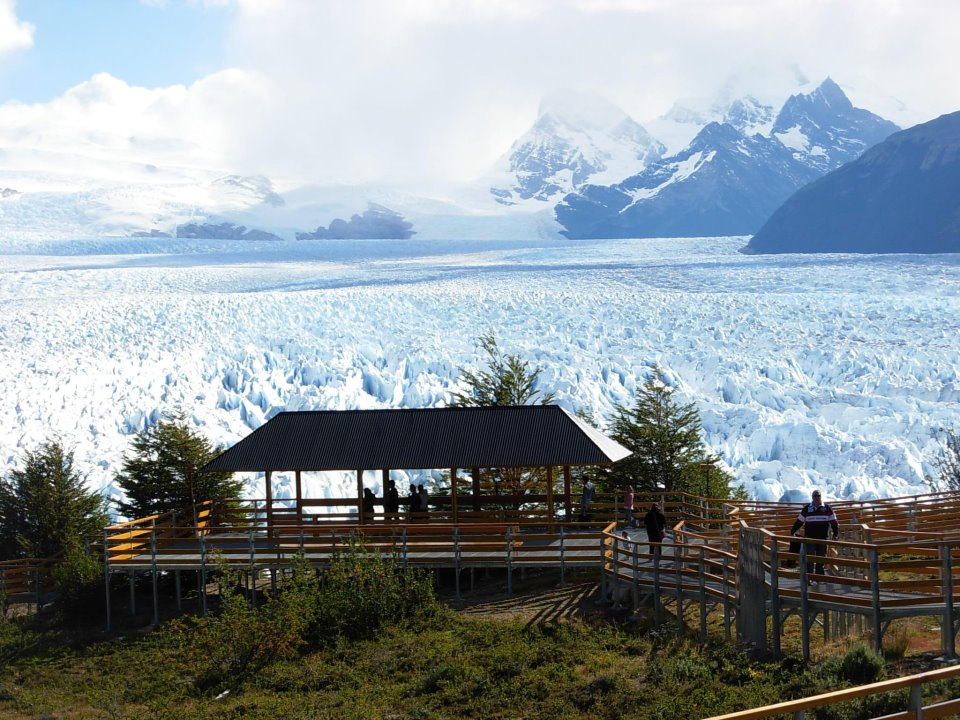 Perito Moreno Glacier. By Wikisanchez (Own work) [CC BY-SA 3.0 (http://creativecommons.org/licenses/by-sa/3.0)], via Wikimedia Commons