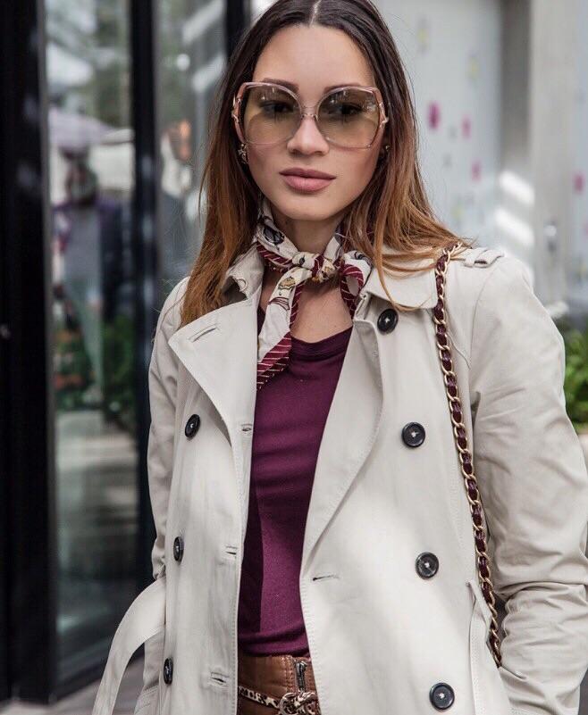 Blusa y Chaqueta de Zara.
