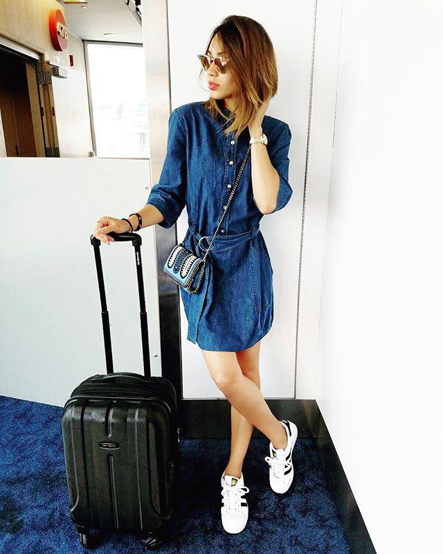 Dos en Vegas! ✈️👜✈️ @jessyterrero 📸  #marriedtoablogger  #Lavegas #yisneyinvegas #bloggerlifestyle #yisneyterrero #adidassuperstar #adidas #tagforcredits