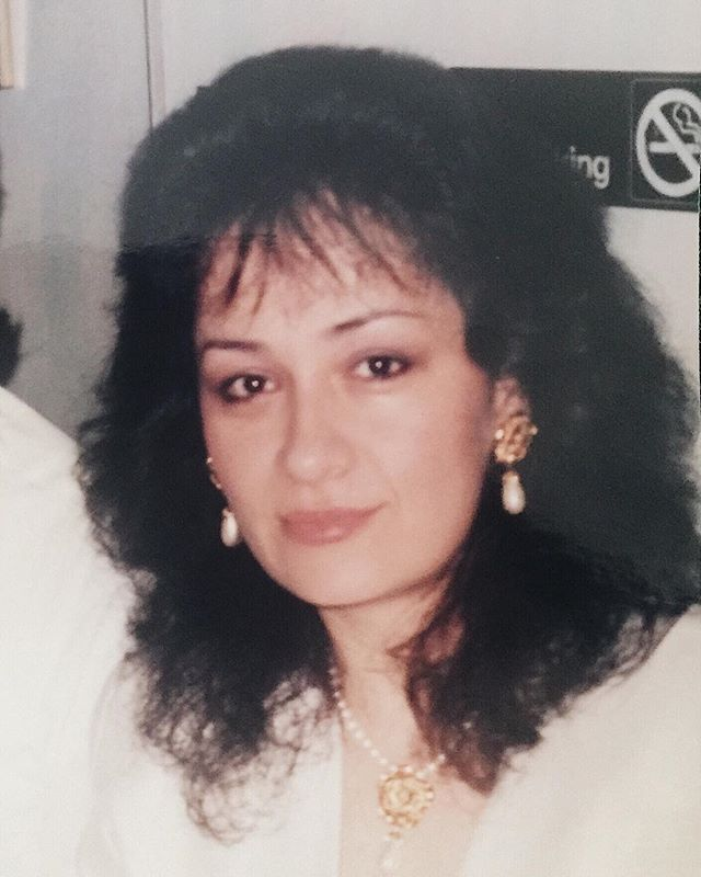My beautiful, always classy mama with that 👌🏼 80s hair and bling. Good job pops. #happymothersday #tequiero