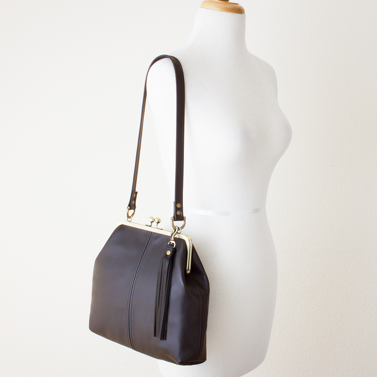 Leather Kiss Lock Frame Shoulder Bag — JILLY DESIGNS