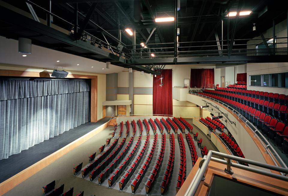 Fairfield+Middle+School_13890_Int+Auditorium_PPT.jpg