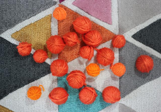 DIY Yarn Pumpkin Wreath from Pars Caeli