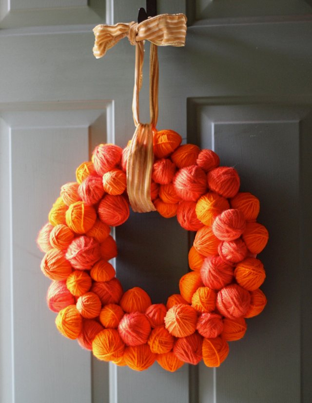 DIY Yarn Pumpkin Wreath from Pars Caeli