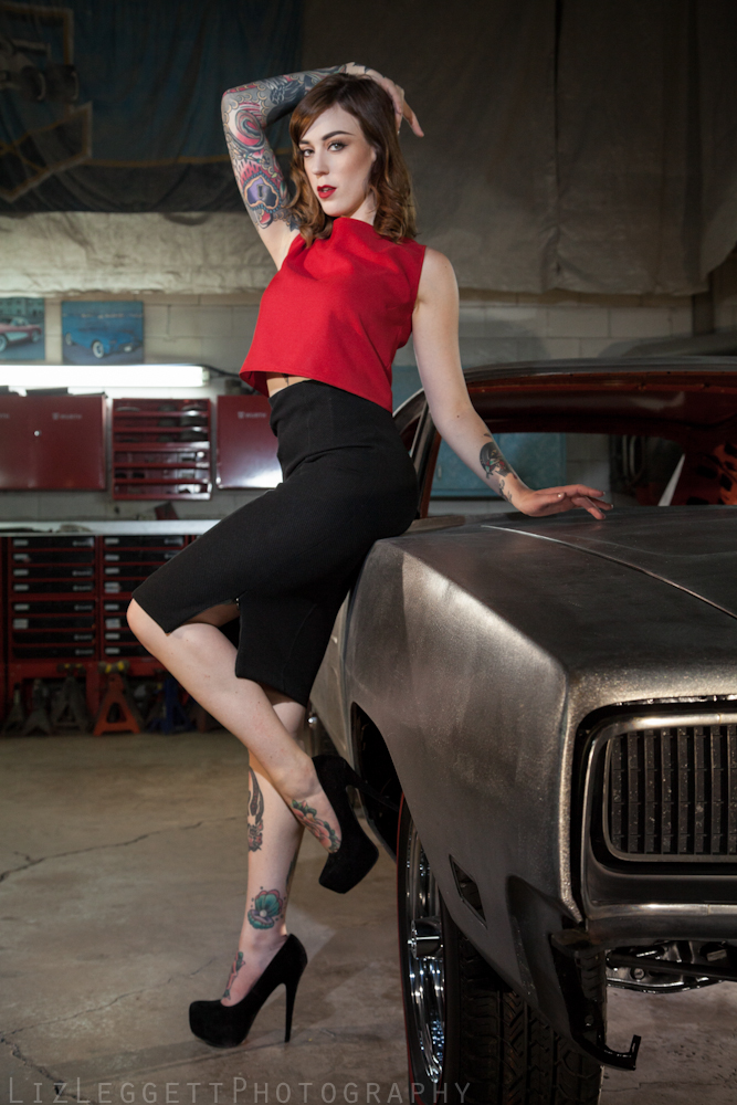 2015_Liz_Leggett_Photography_bare_metal_charger_WATERMARKED--3.jpg