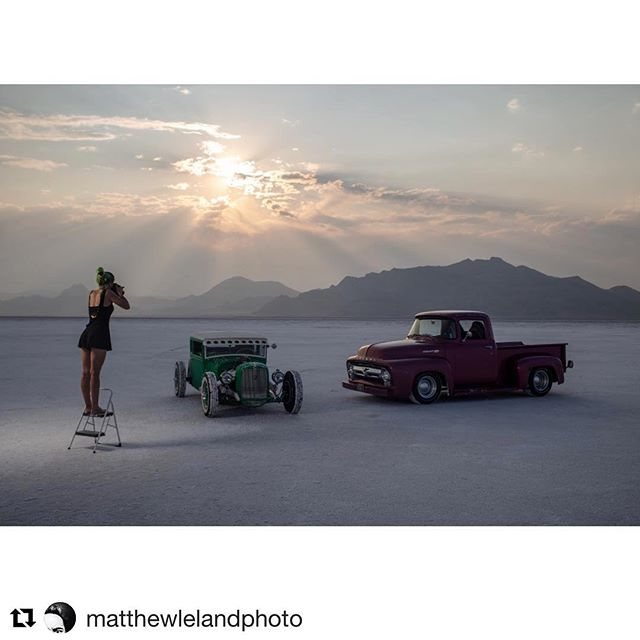 Thank you for the awesome pics😍  @matthewlelandphoto 🔥🙌🏻🔥 ・・・ Those evening sunsets. Fell in love with this place again. Also, @lizleggettphoto has a quest available. #travelphotography #bonnevillesaltflats #photographers #speedweek #goldenhour