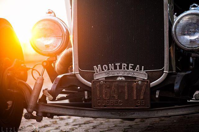 💙⚜️💙 Hometowns ♥️🇨🇦♥️ . . . #hotrod #hotrods #classicars #auto #automotive #kustom #kulture #kustomkulture #autounlimited #petrolicious #coolcar #carporn #autos_of_our_world #trb_autozone #tru_rebel #québécoise #canadienne #photographer #picoftheday #montreal #canada #quebec 🌟#lizleggettphotography 🌟www.lizleggettphotography.com 🌟#LLPhotoz