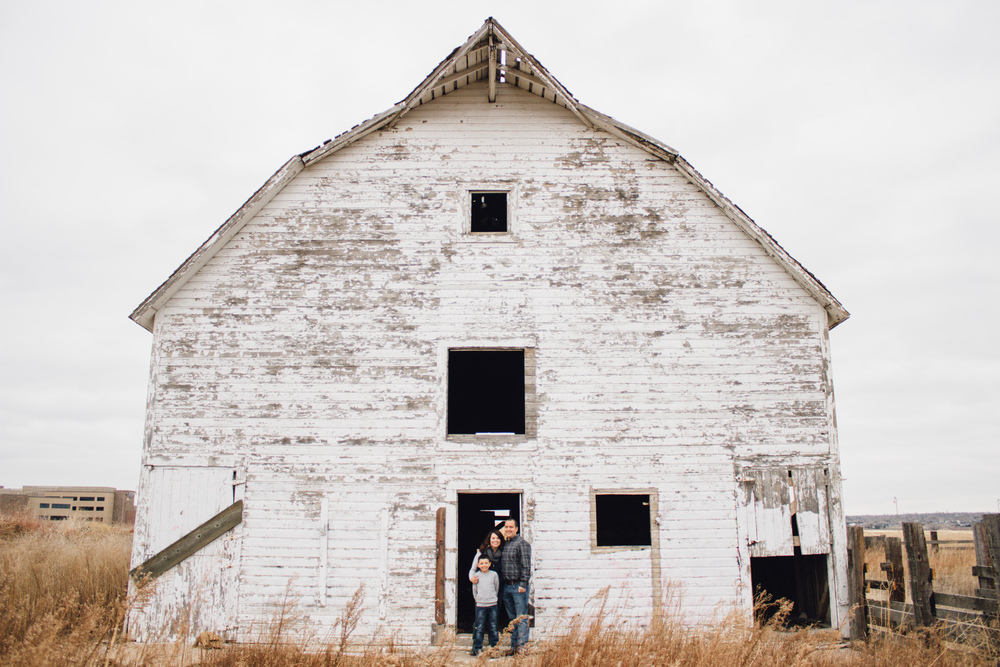 Rustic barn family photos broomfield colorado