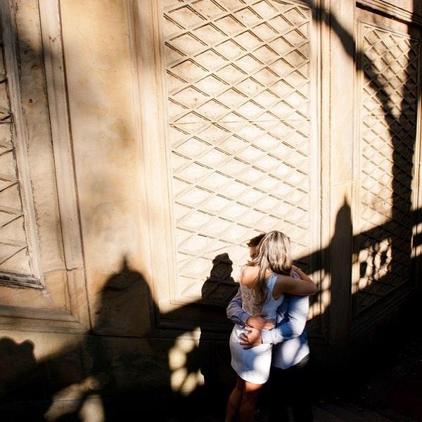 ...seu abraço! onde encontro meus sonhos e meus segredos! 💛 .. #krisieleoliveira #fotografabrasileiranovayork #novayork #nyesession #centralparkphotoshoot #shadows #instashadow #fotografos_brasileiros #dicasdeny