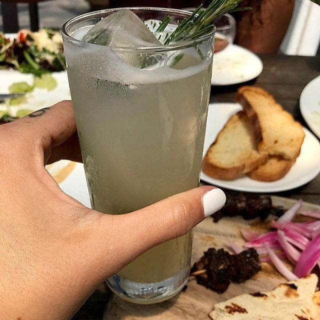 #Cheers to the #weekend & all the delicious #food you will eat! 🍹