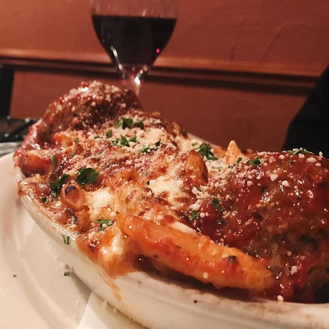 It's #nationalpastaday and the only place I am craving right now is #Fratello's  in #avonlake . . . .#cleveland #clevelandfoodie #NOMaste #penne #westsidecle