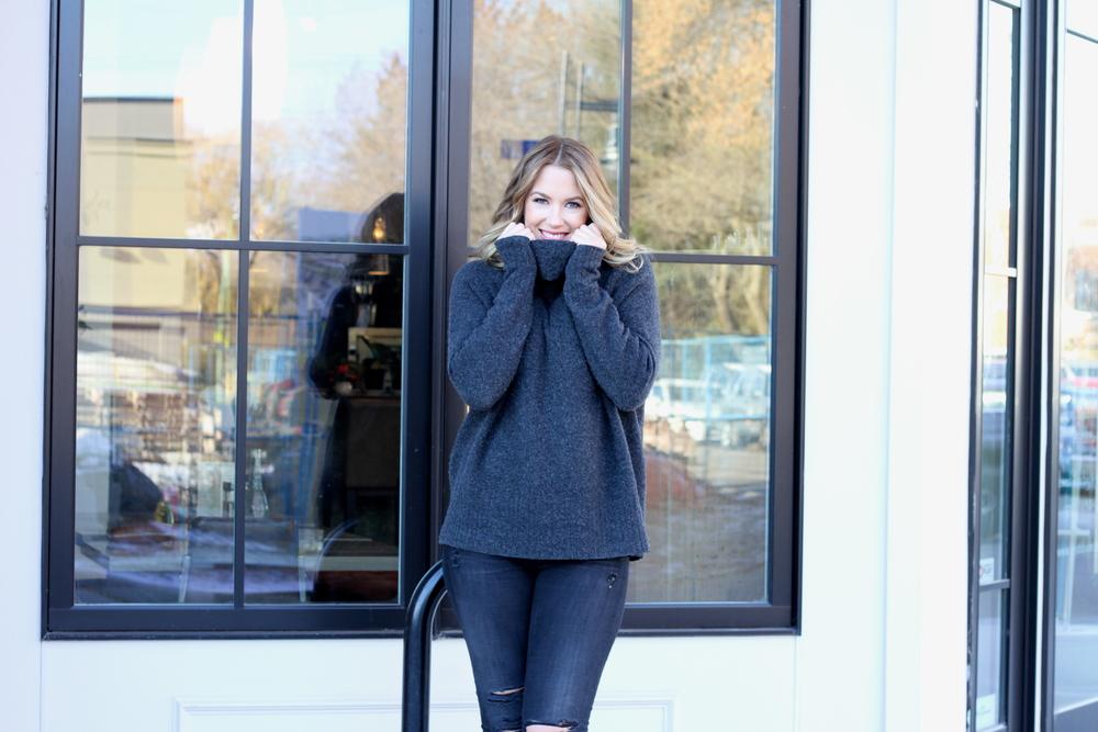 Cozy Aritzia Sweater