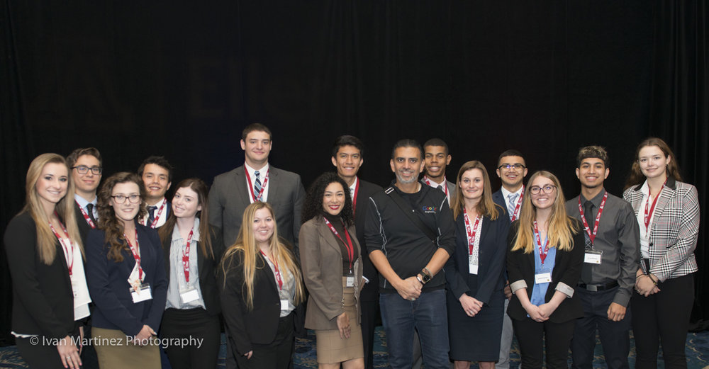 Jaime Casap with University of Arizona Students