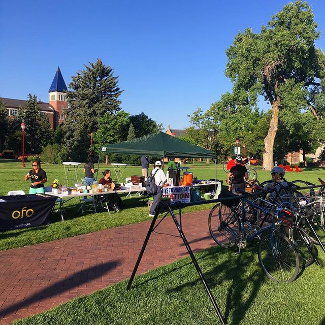 Join us @uofdenvercampus for @biketoworkday ! We're handing out breakfast burritos and beignets 💙💚🧡