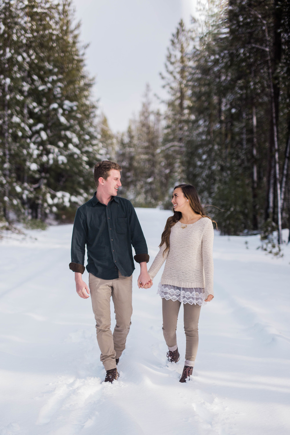 Bend-Oregon-Wedding-Photographer-Engagements-10.jpg