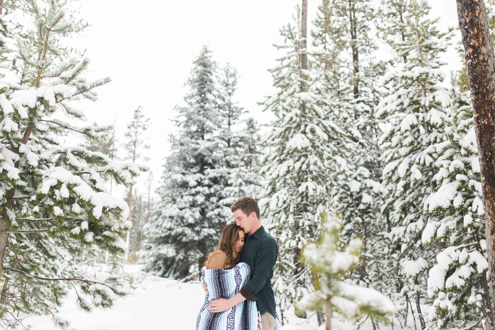 Bend-Oregon-Wedding-Photographer-Engagements-15.jpg
