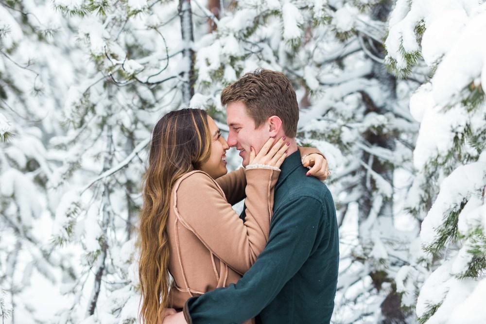 Bend-Oregon-Wedding-Photographer-Engagements-16.jpg