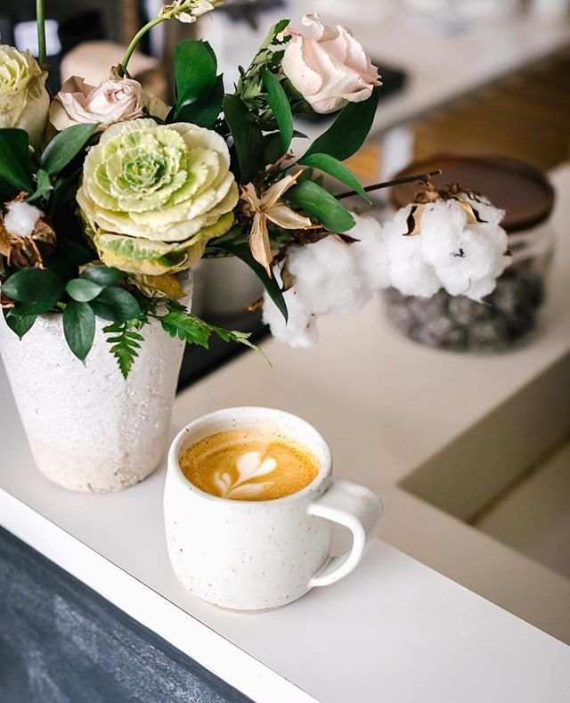 turmeric latte kinda day. @neat.coffee we are coming for you 👌🏼 pc: @_faringwell