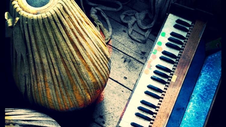 Photo via: http://yogaalive.net/yoga-music-morning/