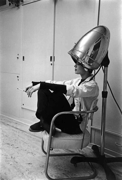 «Audrey Hepburn Under The Hair Dryer»