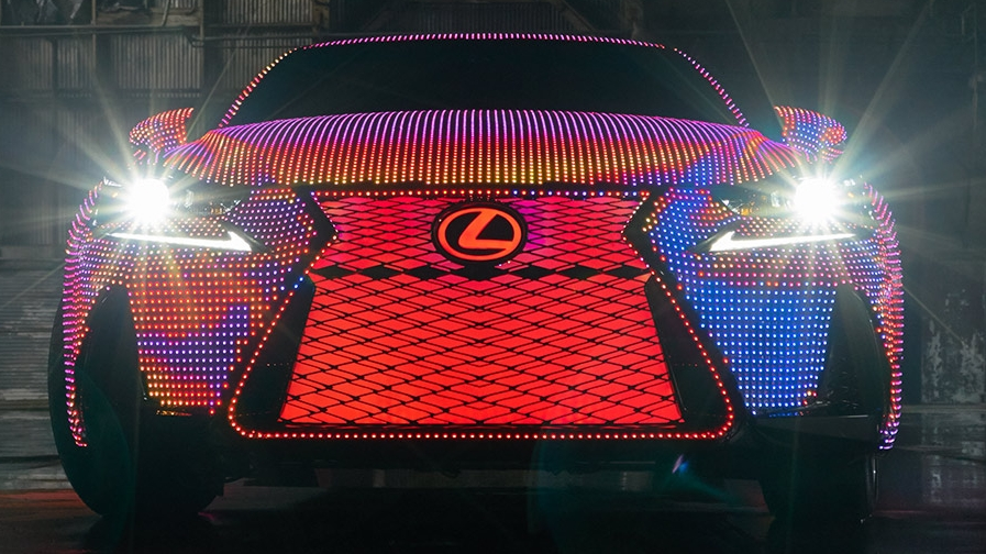 Lexus-IS-LIT-gallery-overlay-1204x677-20161012_SesseLind_Lexus_Detail_0314.jpg