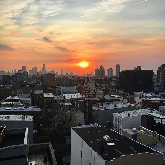 Longest winter ever. We'll take a day of spring drinking whenever we can at this point. #finally #roseallday #brooklynsunset #rooftop #springtimeinbrooklyn