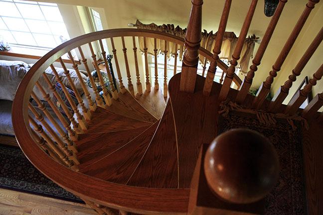 Cabin10_spiral.staircase copy.jpg