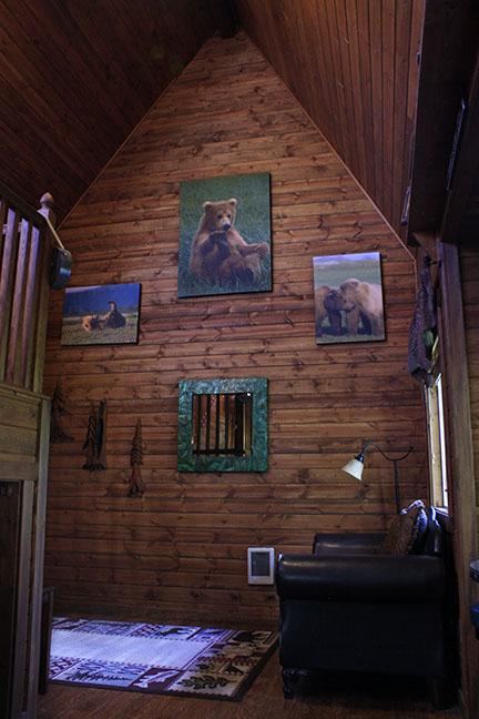 Cabin4_livingroom.jpg