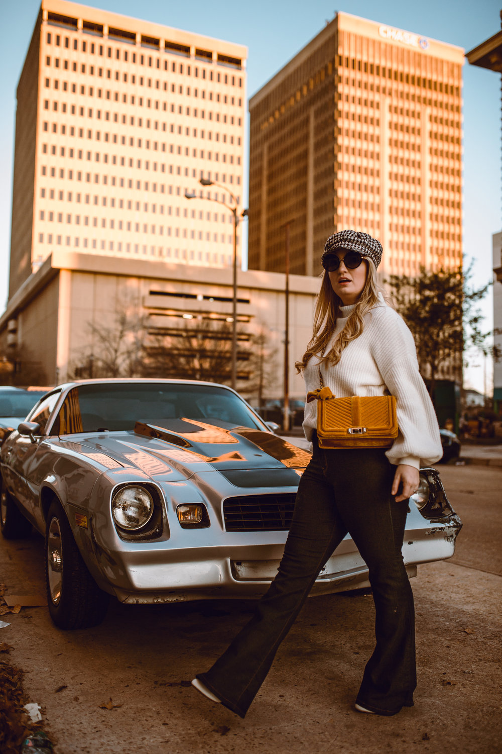How to style 70's mod flare jeans, baker boy hat